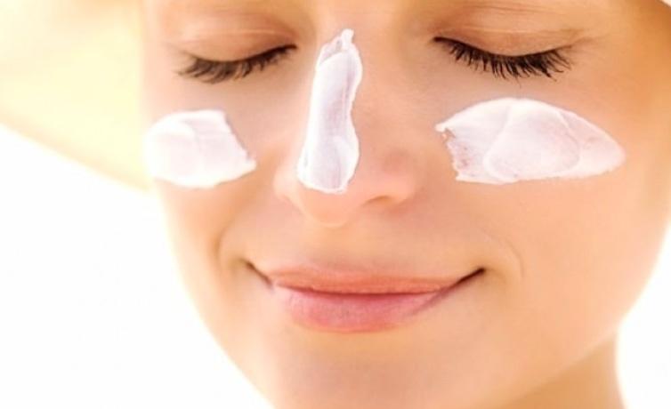 Güneş lekesi nasıl geçer karbonat maskesini deneyin!